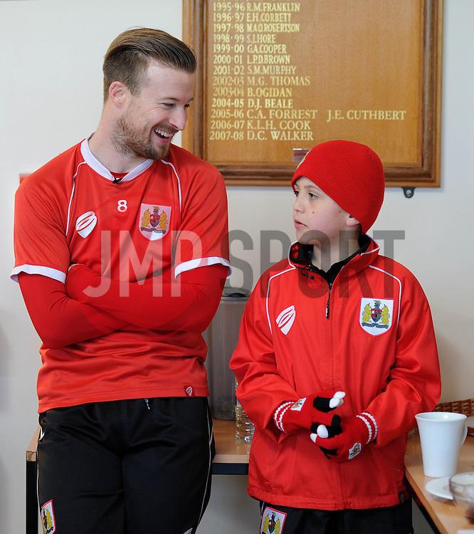 Bristol City's Wade Elliott speaks with Connor - Photo mandatory by-line: Dougie Allward/JMP - Mobile: 07966 386802 - 01/04/2015 - SPORT - Football - Bristol - Bristol City Training Ground - HR Owen and SAM FM
