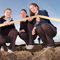 20/12/2005<br />Lisdoonvarna Community School students Lorraine Stringer, Shona Fitzpatrick and India Molloy, working on their Young Scientist of The Year Project, 'Anemones' at Doolin .<br />Picture. Cathal Noonan/Press22.