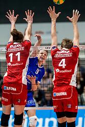 08-11-2017 NED: CEV CL Abiant Lycurgus - Noliko Maaseik, Groningen<br /> Abiant/Lycurgus verloor in de derde voorronde met 1-3 van het Belgische Noliko Maaseik: 19-25 25-22 17-25 22-25 / Stijn van Schie #9 of Lycurgus