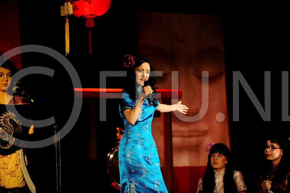 VRIEZENVEEN.Podium Plezier speelt'Het Keizerrijk van Bo Ching.Editie: VR.ffu press agency©2009frank uijlenbroek.TT200905145.