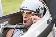Jan Bos bereidt zich door op ten fit in de VeloX2. Het Human Powered Team Delft en Amsterdam presenteert de VeloX2, de fiets waarmee ze het wereldrecord willen verbreken dat nu op 133 km/h staat. Jan Bos, een van de rijders die het record gaat proberen te verbreken, gaat de strijd aan met zijn broer Theo Bos op de gewone racefiets. Jan wint uiteindelijk glansrijk en haalt 77,2 km/h.<br /> <br /> Jan Bos is getting prepared for his run. Human Powered Team Delft and Amsterdam presents the VeloX2, the bike which they will attempt to set a new world record with. Jan Bos, on of the two cyclists who will try to ride faster than 133 km/h, is racing at the presentation against his brother Theo Bos, a former world champion and cyclist for the Rabobank Racing Team. Jan will defeat Theo, with a maximum speed of 77,2 km/h.
