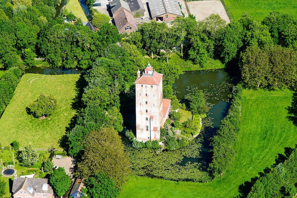 Nederland, Utrecht, Vleuten, 10-06-2015; Hamtoren, restant van kasteel Den Ham. <br /> Ham Tower, remains of castle Den Ham.<br /> <br /> luchtfoto (toeslag op standard tarieven);<br /> aerial photo (additional fee required);
