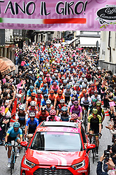 26.05.2019, Ivrea, Como, ITA, Giro d Italia 2019, 15. Etappe, Ivrea - Como (237 km), im Bild beim Start // the start of the race during stage 15 of the 102nd Giro d'Italia cycling race from Ivrea to Como (237 km) Ivrea in Como, Italy on 2019/05/26. EXPA Pictures © 2019, PhotoCredit: EXPA/ laPresse/ Massimo Paolone<br /> <br /> *****ATTENTION - for AUT, SUI, CRO, SLO only*****