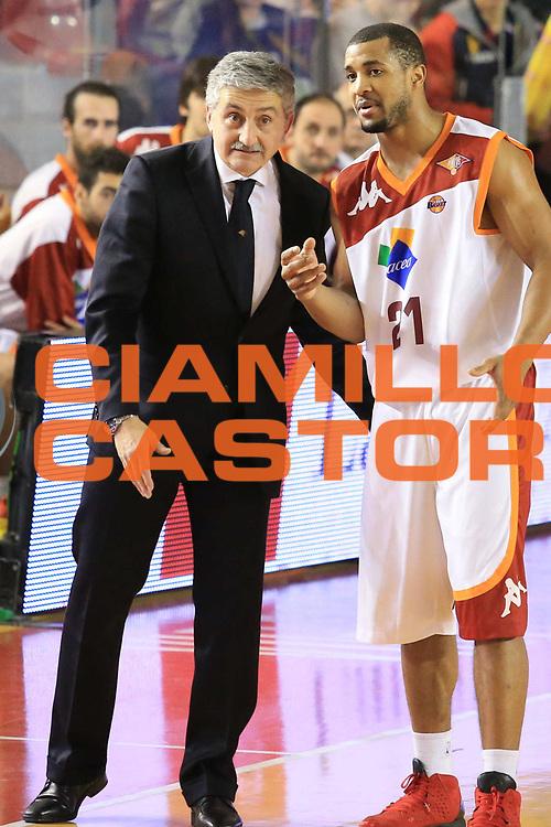 DESCRIZIONE : Roma Lega A 2012-13 Acea Roma EA7 Emporio Armani Milano<br /> GIOCATORE : Marco Calvani Jordan Taylor<br /> CATEGORIA : fair play<br /> SQUADRA : Acea Roma<br /> EVENTO : Campionato Lega A 2012-2013 <br /> GARA :  Acea Roma EA7 Emporio Armani Milano<br /> DATA : 17/02/2013<br /> SPORT : Pallacanestro <br /> AUTORE : Agenzia Ciamillo-Castoria/M.Simoni<br /> Galleria : Lega Basket A 2012-2013  <br /> Fotonotizia : Roma Lega A 2012-13 Acea Roma EA7 Emporio Armani Milano<br /> Predefinita :