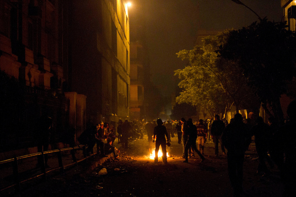 Egyptians take to the streets in clashes with the police by Tahrir Square on November 21, 2011 photo by: Maya Levin