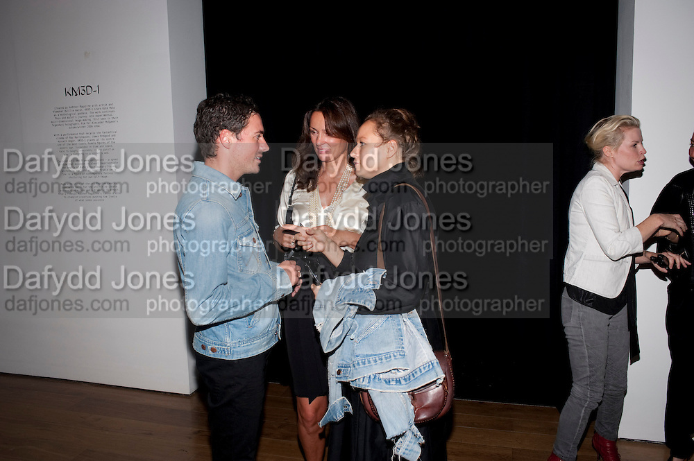 DAVID GARDENER; TRICIA SIMONON; SAMANTHA MORTON, KM3D-1 Film screening made by Baillie Walsh of Kate Moss. Hosted by another magazine. Hanuch of Venison. London. 16 Septemebr 2010.  -DO NOT ARCHIVE-© Copyright Photograph by Dafydd Jones. 248 Clapham Rd. London SW9 0PZ. Tel 0207 820 0771. www.dafjones.com.