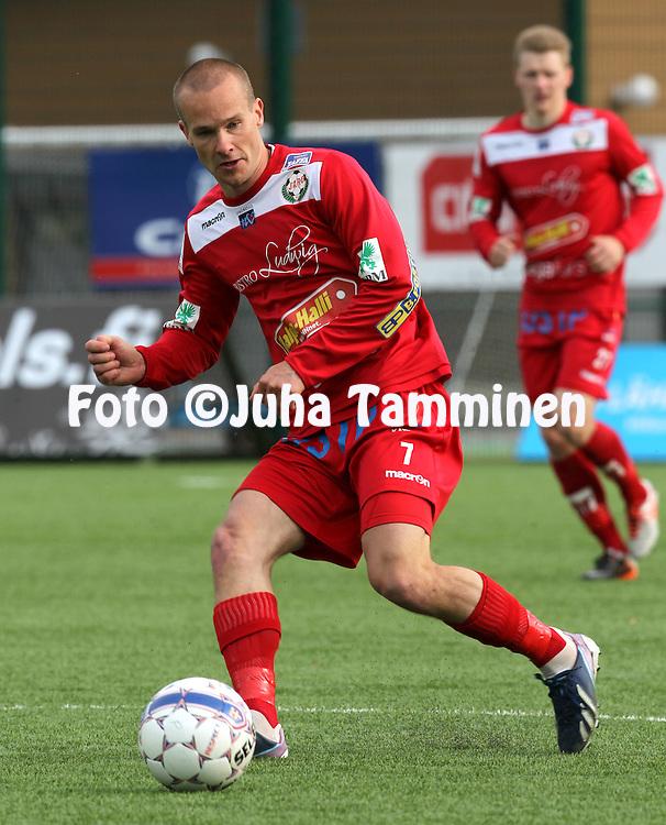 26.5.2014, Keskuskentt&auml;, Rovaniemi.<br /> Veikkausliiga 2014.<br /> Rovaniemen Palloseura - FF Jaro.<br /> Fredrik Svanb&auml;ck - Jaro