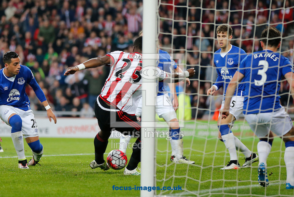 Lamine Kone (23) of Sunderland scoring to make it 3-0 during the Barclays Premier League match at the Stadium Of Light, Sunderland<br /> Picture by Simon Moore/Focus Images Ltd 07807 671782<br /> 11/05/2016