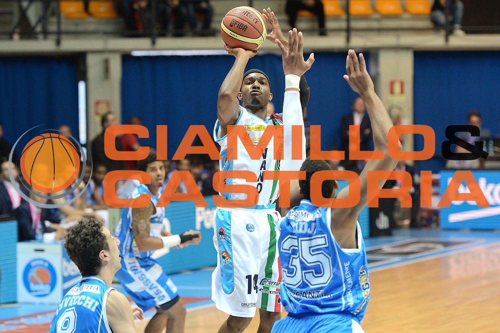 DESCRIZIONE : Final Eight Coppa Italia 2015 Desio Quarti di Finale Banco di Sardegna Sassari vs Vagoli Basket Cremona<br /> GIOCATORE : Ferguson Jazzmar<br /> CATEGORIA :Tiro<br /> SQUADRA : Vagoli Basket Cremona<br /> EVENTO : Final Eight Coppa Italia 2015 Desio <br /> GARA : Banco di Sardegna Sassari vs Vagoli Basket Cremona<br /> DATA : 20/02/2015 <br /> SPORT : Pallacanestro <br /> AUTORE : Agenzia Ciamillo-Castoria/I.Mancini