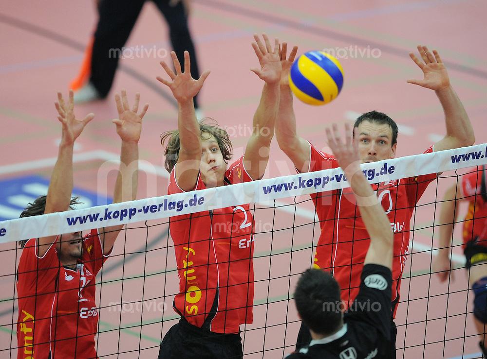 Volleyball  1. Bundesliga  2008/2009    05.10.2008 TV Rottenburg - Moerser SC TV R Block;  Thomas Welz, Benny Stefanski und Matthias Pompe (v.li.)