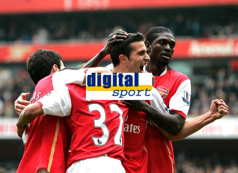 Photo: Tom Dulat.<br /> Arsenal v Sunderland. The FA Barclays Premiership. 07/10/2007.<br /> Robin van Persie celebrates his goal for Arsenal, 3-1 Lto R:Cesc Fabregas, Theo Walcott, Robin van Persie, Emmanuel Adebayor