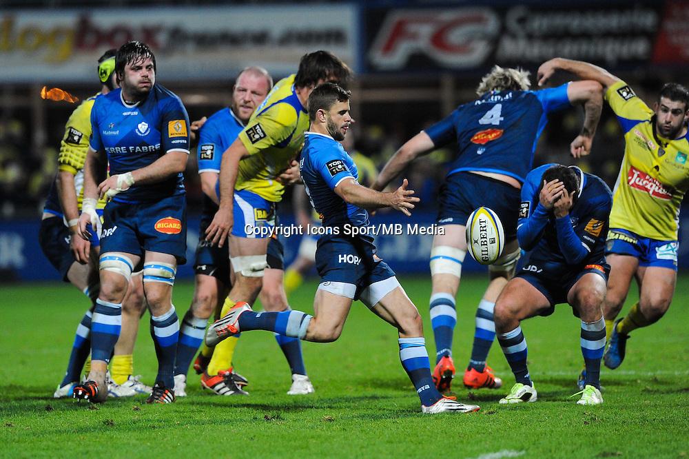 Rory Kockott - 20.12.2014 - Clermont / Castres - 13eme journee de Top 14 -<br />Photo : Jean Paul Thomas / Icon Sport