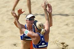 18-07-2014 NED: FIVB Grand Slam Beach Volleybal, Scheveningen<br /> Knock out fase - Marleen van Iersel en Madelein Meppelink