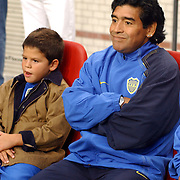 NLD/Amsterdam/20050731 - LG Amsterdam Tournament 2005, Ajax - Boca Juniors, Diego Maradona en neefje