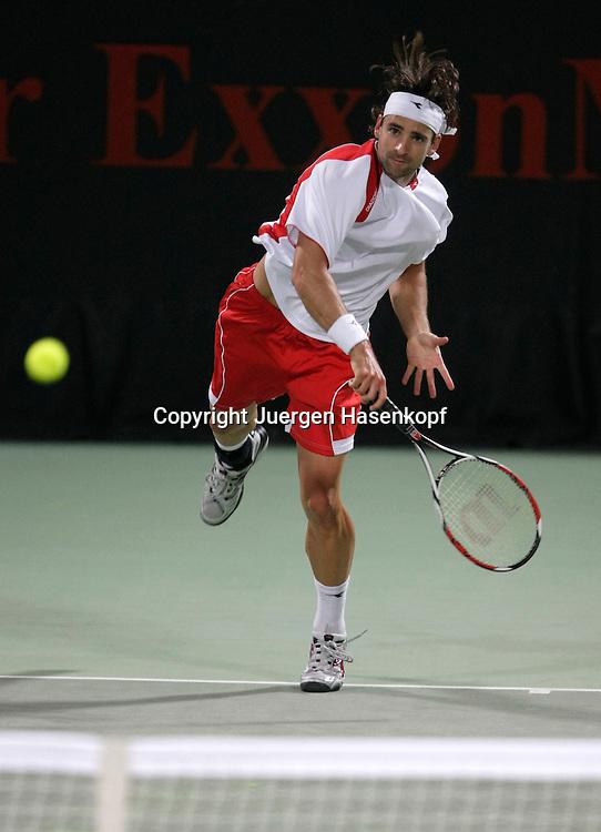 Qatar Open 2008, ATP Tennis Tour, Herren Turnier in Doha, Nicolas Kiefer (GER)...Foto: Juergen Hasenkopf..B a n k v e r b.  S S P K  M u e n ch e n, ..BLZ. 70150000, Kto. 10-210359,..+++ Veroeffentlichung nur gegen Honorar nach MFM,..Namensnennung und Belegexemplar. Inhaltsveraendernde Manipulation des Fotos nur nach ausdruecklicher Genehmigung durch den Fotografen...Persoenlichkeitsrechte oder Model Release Vertraege der abgebildeten Personen sind nicht vorhanden.