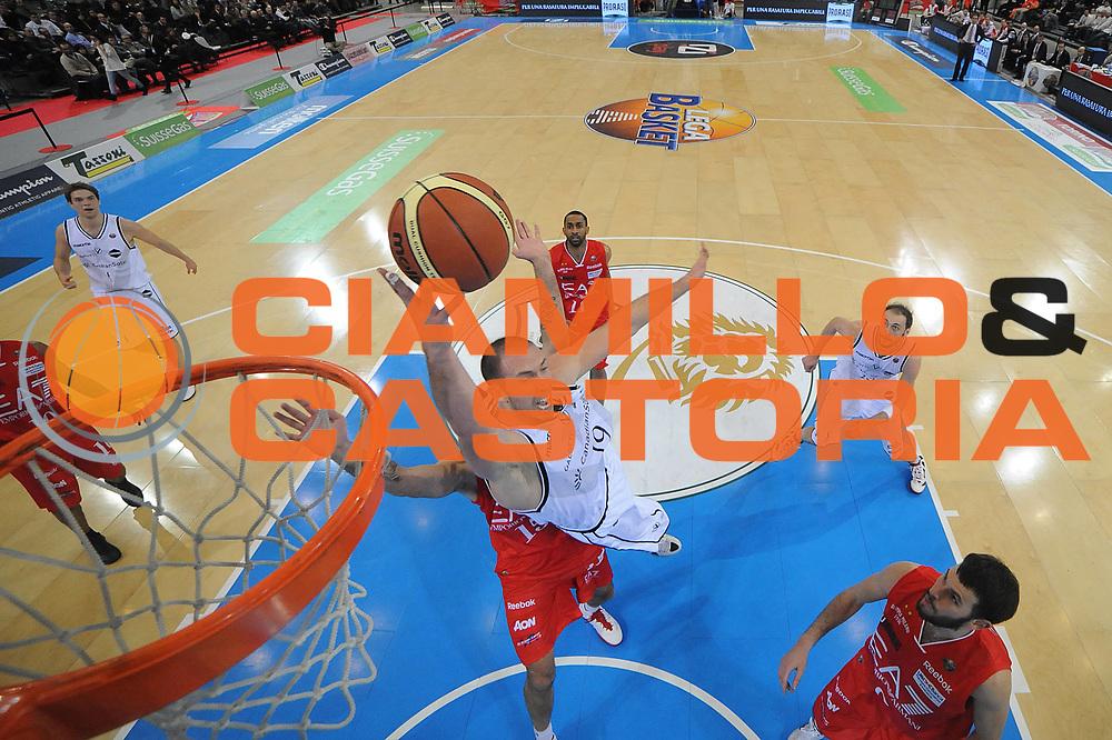 DESCRIZIONE : Torino Coppa Italia Final Eight 2012 Quarto di Finale EA7 Emporio Armani Milano Canadian Solar Bologna<br /> GIOCATORE : Kris Lang<br /> CATEGORIA : special tiro<br /> SQUADRA : Canadian Solar Bologna<br /> EVENTO : Suisse Gas Basket Coppa Italia Final Eight 2012<br /> GARA : EA7 Emporio Armani Milano Canadian Solar Bologna<br /> DATA : 16/02/2012<br /> SPORT : Pallacanestro<br /> AUTORE : Agenzia Ciamillo-Castoria/C.De Massis<br /> Galleria : Final Eight Coppa Italia 2012<br /> Fotonotizia : Torino Coppa Italia Final Eight 2012 Quarto di Finale EA7 Emporio Armani Milano Canadian Solar Bologna<br /> Predefinita :