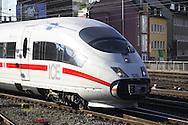 DEU, Germany, Cologne, high-speed train ICE at the main station.....DEU, Deutschland, Koeln, Hochgeschwindigkeitszug ICE am Hauptbahnhof.........