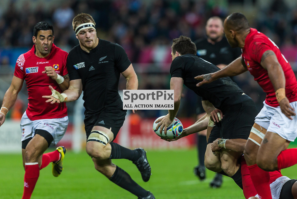 Ben Smith offloads to Sam Cane during the Rugby World Cup match between New Zealand and Tonga (c) ROSS EAGLESHAM | Sportpix.co.uk