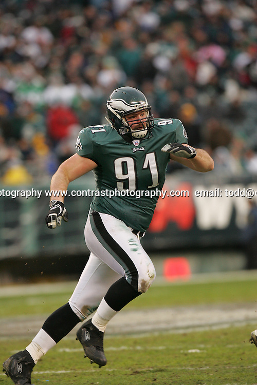 16 Jan 2005:DSam Rayburn of the Philadelphia Eagles during the Philadelphia Eagles 27-14 victory over the Minnesota Vikings at Lincoln Financial Field in Philadelphia, PA. <br />