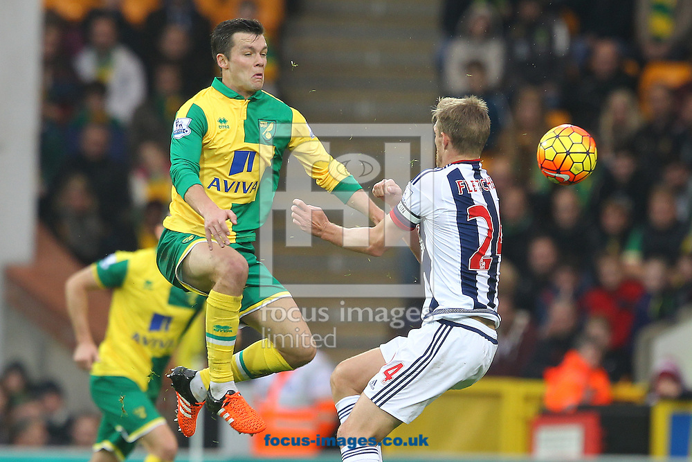 Jonny Howson of Norwich and Darren Fletcher of West Bromwich Albion in action during the Barclays Premier League match at Carrow Road, Norwich<br /> Picture by Paul Chesterton/Focus Images Ltd +44 7904 640267<br /> 24/10/2015