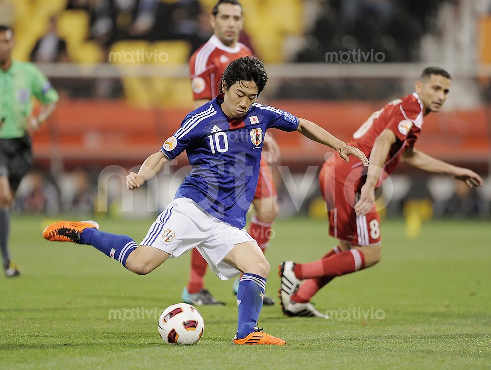 Fussball AFC Asian Cup 2011    09.01.2011 Japan - Jordanien  Shinji Kagawa (Japan) am Ball