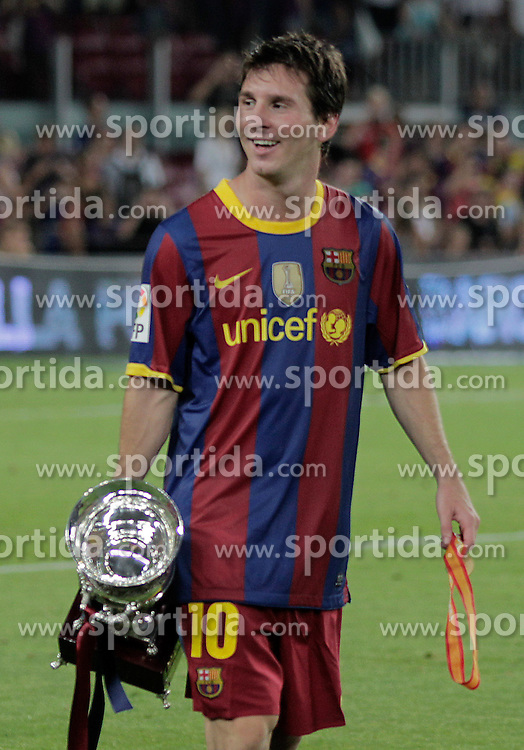 21.08.2010, Stadion Camp Nou, Barcelona, ESP, Supercup, FC Barcelona vs FC Sevilla, im Bild FC Barcelona's Lionel Messi celebrates the victory in the SuperCup of Spain Final match. EXPA Pictures © 2010, PhotoCredit: EXPA/ Alterphotos/ Acero +++++ ATTENTION - OUT OF SPAIN / ESP +++++ / SPORTIDA PHOTO AGENCY