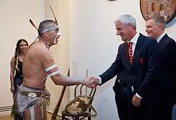 ADELAIDE, AUSTRALIA - Sunday, July 19, 2015: Liverpool's Ian Rush meets Aboriginal dancer Karl Winda Telfe of Paitya during a visit to the Art Gallery of South Australia ahead of a preseason friendly match against Adelaide United on day seven of the club's preseason tour. (Pic by David Rawcliffe/Propaganda)