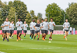 02.05.2018, Trainingsgelände, Salzburg, AUT, UEFA EL, FC Salzburg vs Olympique Marseille, Halbfinale, Rueckspiel, Training, im Bild Spieler beim Warmlaufen, Andreas Ulmer (FC Salzburg), Patson Daka (FC Salzburg), Fredrik Gulbrandsen (FC Salzburg), Munas Dabbur (FC Salzburg), Andre Ramalho (FC Salzburg), Valon Berisha (FC Salzburg) // during a Trainingssession before the UEFA Europa League Semifinal, 2nd Leg Match between FC Salzburg and Olympique Marseille at the Trainingsground in Salzburg, Austria on 2018/05/02. EXPA Pictures © 2018, PhotoCredit: EXPA/ JFK