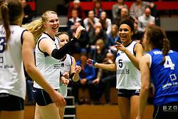 20150211 NED: Eredivisie, Sliedrecht Sport - Coolen Alterno, Sliedrecht<br /> Marlies Wagendorp (10) of Sliedrecht Sport, Celia Diemkoudre (5) of Sliedrecht Sport <br /> ©2015-FotoHoogendoorn.nl / Pim Waslander