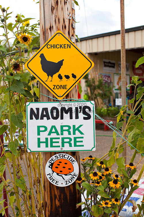 Naomi's Organic Farm Supply is a family-owned shop with a wide range of organic products including: soil amendments and fertilizer, seeds, straw, hay, compost, potting soils, livestock feeds, salts, supplements, chicken supplies, pet foods, hand tools & lots of books
