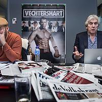 Nederland, Hilversum, 5 februari 2016.<br />Nederlandse radio en televisie presentator Felix Meurders.<br />Op de foto: Felix Meurders tussen collega's op de redactie van de VARA.<br /><br /><br />Foto: Jean-Pierre Jans