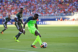 SANTA CLARA, USA - Saturday, July 30, 2016: Liverpool's Sadio Mane in action against AC Milan during the International Champions Cup 2016 game on day ten of the club's USA Pre-season Tour at the Levi's Stadium. (Pic by David Rawcliffe/Propaganda)