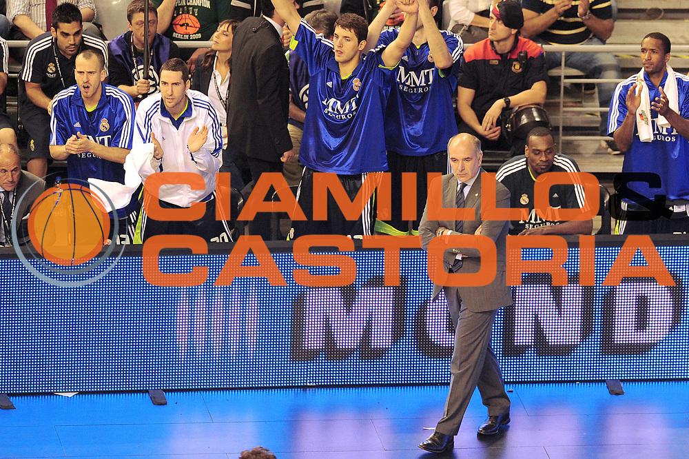 DESCRIZIONE : Barcellona Barcelona Eurolega Eurolegue 2010-11 Final Four Semifinale Semifinal Maccabi Electra Tel Aviv Real Madrid<br /> GIOCATORE : Emanuele Molin<br /> SQUADRA : Real Madrid<br /> EVENTO : Eurolega 2010-2011<br /> GARA : Maccabi Electra Tel Aviv Real Madrid<br /> DATA : 06/05/2011<br /> CATEGORIA : coach<br /> SPORT : Pallacanestro<br /> AUTORE : Agenzia Ciamillo-Castoria/GiulioCiamillo<br /> Galleria : Eurolega 2010-2011<br /> Fotonotizia : Barcellona Barcelona Eurolega Eurolegue 2010-11 Final Four Semifinale Semifinal Maccabi Electra Tel Aviv Real Madrid<br /> Predefinita :