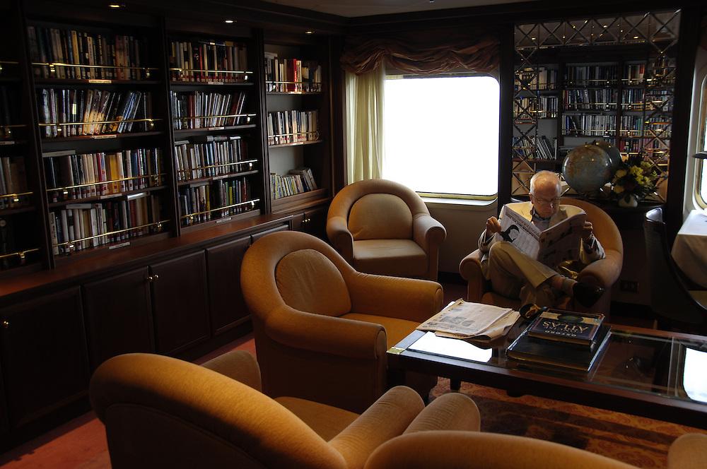 Library. Silver Cloud. Silversea Cruise