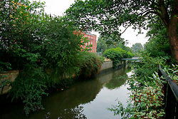 UK ENGLAND LONDON 14AUG06 - Urban river Ravensbrook running near Brookmill Park in Lewisham, south London...jre/Photo by Jiri Rezac..© Jiri Rezac 2006..Contact: +44 (0) 7050 110 417.Mobile:  +44 (0) 7801 337 683.Office:  +44 (0) 20 8968 9635..Email:   jiri@jirirezac.com.Web:    www.jirirezac.com..© All images Jiri Rezac 2006 - All rights reserved.