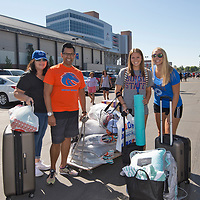 Move-in Day, Housing, Bronco Welcome, Allison Corona photo