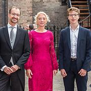 NLD/Den Haag/20190917 - Prinsjesdag 2019, Eric Wiebes met partner en zoon