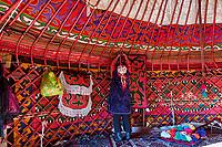 Kirghizistan, province de Naryn, le lac de Song Kol, campements de yourte des nomades Kirghiz// Kyrgyzstan, Naryn province, Song Kol lake, Kirghiz nomad's yurt camp