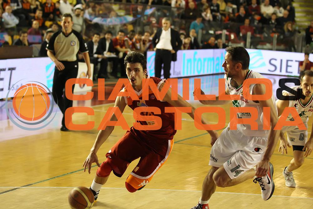 DESCRIZIONE : Roma Campionato Lega A 2011-12 Acea Virtus Roma<br /> Montepaschi Siena<br /> GIOCATORE : Nihad Dedovic<br /> CATEGORIA : palleggio<br /> SQUADRA : Acea Virtus Roma<br /> EVENTO : Campionato Lega A 2011-2012<br /> GARA : Acea Virtus Roma Montepaschi Siena<br /> DATA : 26/02/2012<br /> SPORT : Pallacanestro<br /> AUTORE : Agenzia Ciamillo-Castoria/ElioCastoria<br /> Galleria : Lega Basket A 2011-2012<br /> Fotonotizia : Roma Campionato Lega A 2011-12 Acea Virtus Roma Montepaschi Siena<br /> Predefinita :