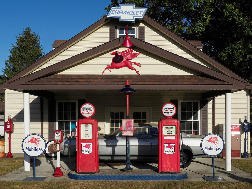 Geneva, Ohio. Chris's Mobil Station