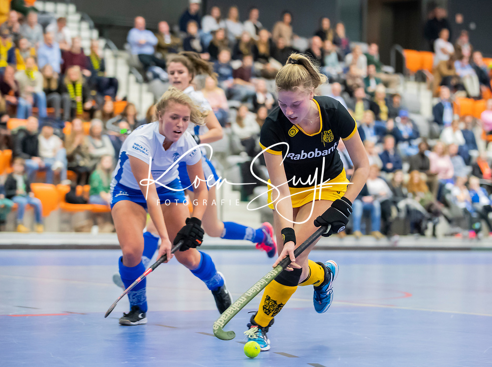 ROTTERDAM  - NK Zaalhockey .Kampong-Den Bosch dames voor brons. Teuntje de Wit (Den Bosch) .    COPYRIGHT KOEN SUYK