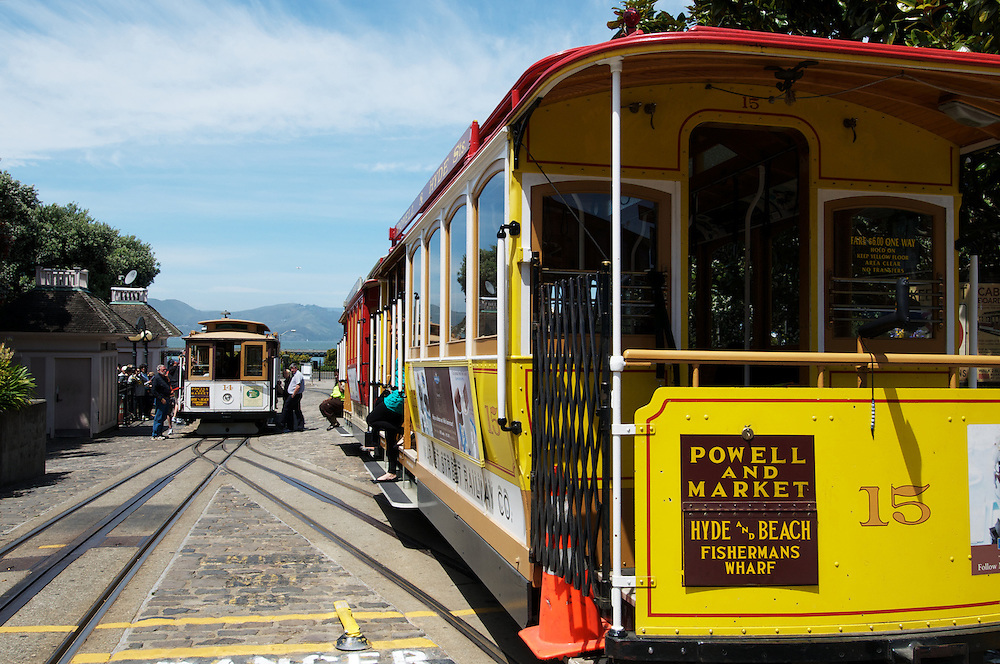 Powell & Hyde St Cable Car Turnaround | April 2012