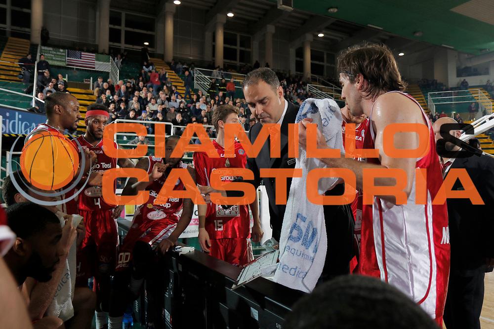 DESCRIZIONE : Avellino Lega A 2014-15 Sidigas Avellino Giorgio Tesi Group Pistoia<br /> GIOCATORE : Paolo Moretti<br /> CATEGORIA : timeout<br /> SQUADRA : Giorgio Tesi Group Pistoia<br /> EVENTO : Campionato Lega A 2014-2015<br /> GARA : Sidigas Avellino Giorgio Tesi Group Pistoia<br /> DATA : 13/04/2015<br /> SPORT : Pallacanestro <br /> AUTORE : Agenzia Ciamillo-Castoria/A. De Lise<br /> Galleria : Lega Basket A 2014-2015 <br /> Fotonotizia : Avellino Lega A 2014-15 Sidigas Avellino Giorgio Tesi Group Pistoia