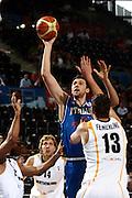 DESCRIZIONE : Madrid Spagna Spain Eurobasket Men 2007 Qualifying Round Germania Italia Germany Italy GIOCATORE : Andrea Bargnani<br /> SQUADRA : Nazioanle Italia Uomini Italy <br /> EVENTO : Eurobasket Men 2007 Campionati Europei Uomini 2007 <br /> GARA : Germania Italia Germany Italy <br /> DATA : 12/09/2007 <br /> CATEGORIA : Tiro <br /> SPORT : Pallacanestro <br /> AUTORE : Ciamillo&amp;Castoria/H.Bellenger Galleria : Eurobasket Men 2007 <br /> Fotonotizia : Madrid Spagna Spain Eurobasket Men 2007 Qualifying Round Germania Italia Germany Italy Predefinita :MADRID 12 SETTEMBRE 2007BASKET EUROPEI GERMANI-ITALIANELLA FOTO BARGNANIFOTO CIAMILLO-CASTORIA