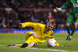Manchester, England - Thursday, April 26, 2007: Liverpool's Stephen Darby and Manchester United's goalkeeper Ron-Robert Zieler during the FA Youth Cup Final 2nd Leg at Old Trafford. (Pic by David Rawcliffe/Propaganda)