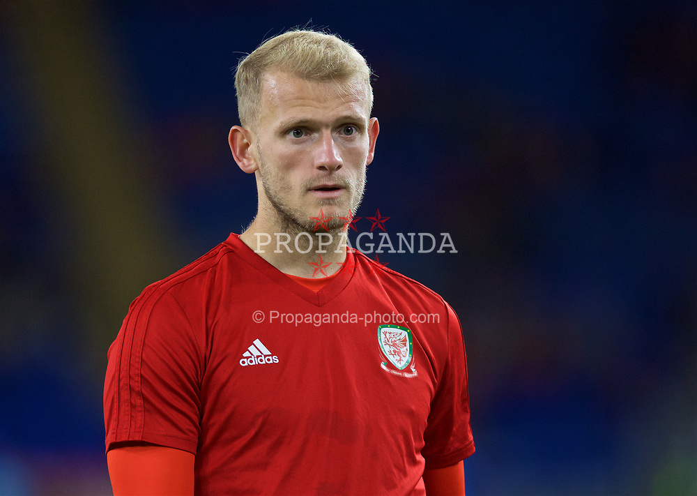 CARDIFF, WALES - Sunday, October 13, 2019: Wales' goalkeeper Adam Davies during the pre-match warm-up before the UEFA Euro 2020 Qualifying Group E match between Wales and Croatia at the Cardiff City Stadium. (Pic by Laura Malkin/Propaganda)