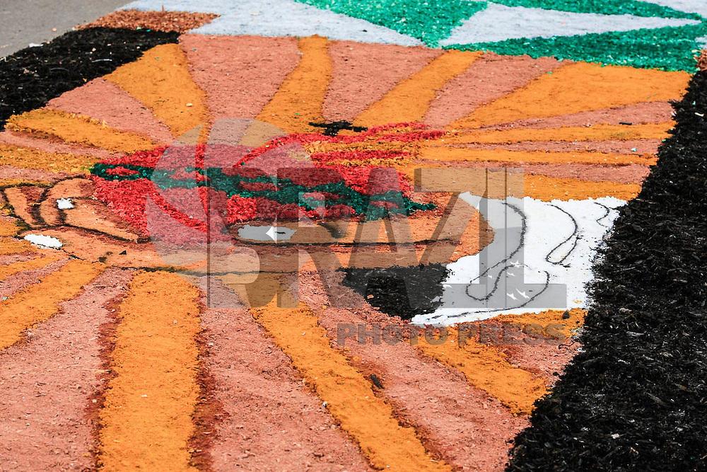 FRANCA, SP. 26.05.2016 - CORPUS-CHRISTI - Movimentação de fieis para celebrar de Corpus Christi na praça Nossa Senhora da Conceição centro da cidade de Franca no interior do Estado de São Paulo nesta quinta-feira, 26. (Fotos: Renato Cunha/Brasil Photo Press)