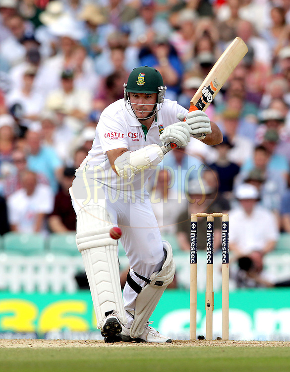 © Andrew Fosker / Seconds Left Images 2012 -  South Africa's Graeme Smith (c) batting  England v South Africa - 1st Investec Test Match -  Day 3 - The Oval  - London - 21/07/2012
