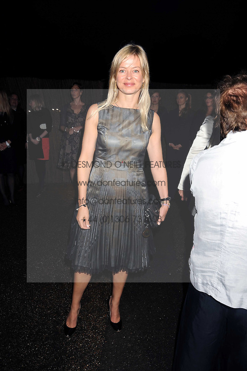 LADY HELEN TAYLOR at the annual Serpentine Gallery Summer Party in Kensington Gardens, London on 9th September 2008.