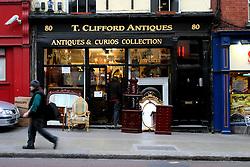 IRELAND DUBLIN 6FEB06 - Antiques store in Dublin city centre.. . jre/Photo by Jiri Rezac. . © Jiri Rezac 2006. . Contact: +44 (0) 7050 110 417. Mobile:  +44 (0) 7801 337 683. Office:  +44 (0) 20 8968 9635. . Email:   jiri@jirirezac.com. Web:    www.jirirezac.com. . © All images Jiri Rezac 2006 - All rights reserved.